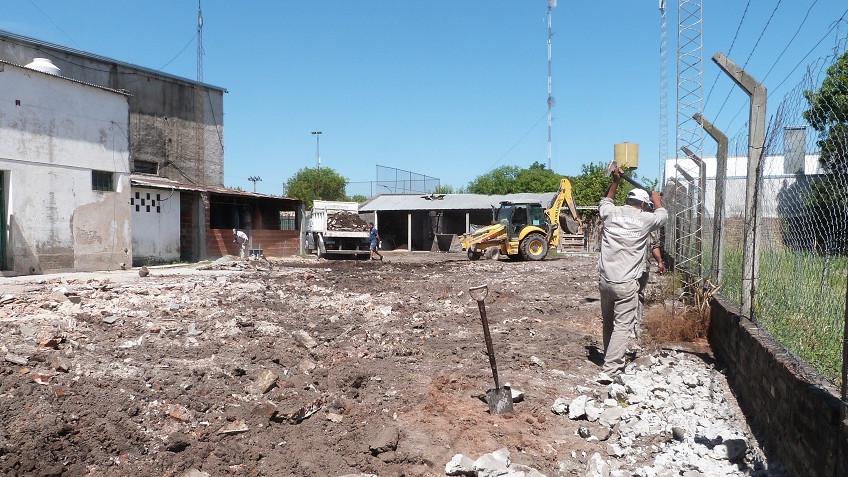 Renovación del patio del Centro Social Cosmopolita