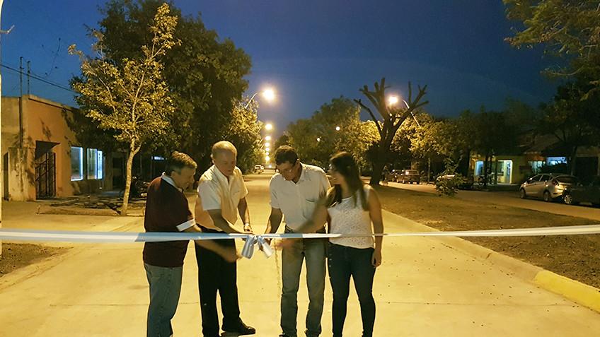 Se inauguraron oficialmente la pavimentación de Boulevares